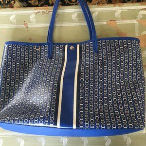 Tory Burch Blue Bag Looks New Closes with a Snap